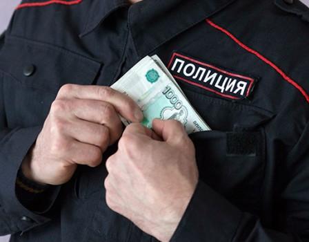 Кировский полицейский подозревается вмошенничестве