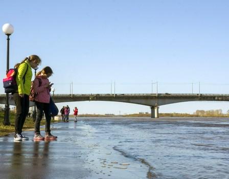 Запрошедшие сутки вода вВятке поднялась нарекордную отметку 12+